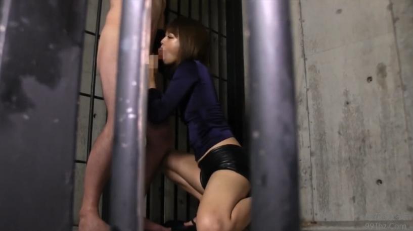 【紺野ひかる】ショートパンツの淫乱ギャルが美脚を見せながらジュポフェラ